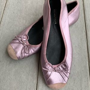 Kenneth Cole Reaction Rose Gold Metallic Flats 6